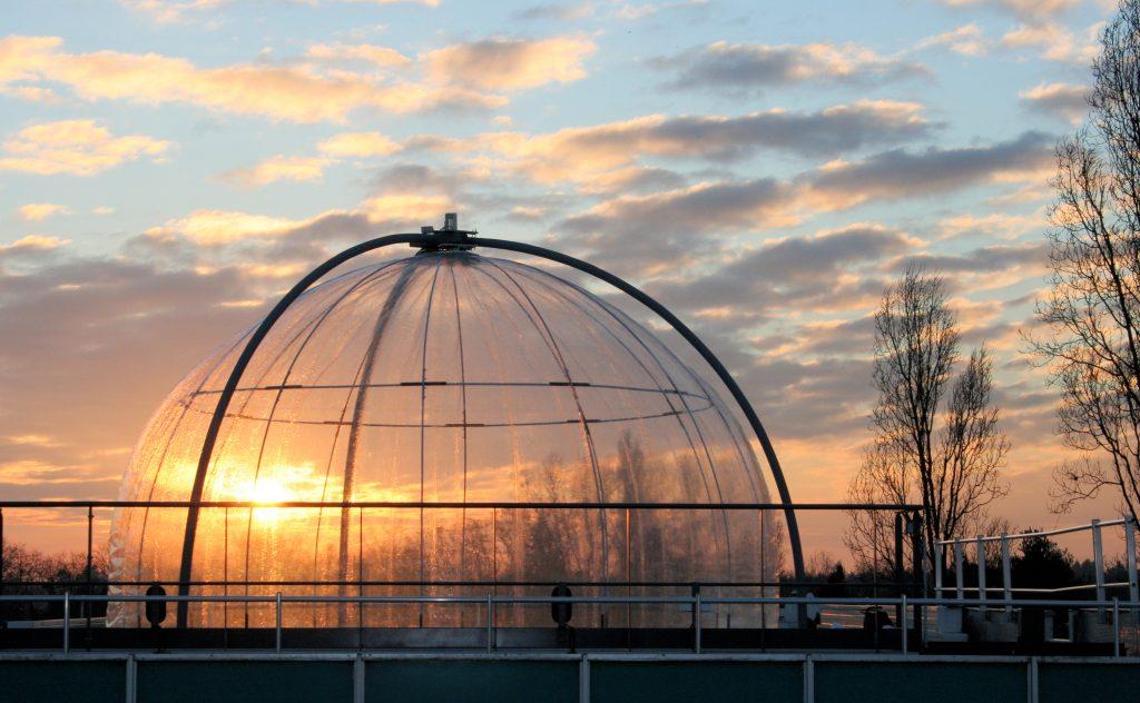 Photo de la chambre de simulation atmosphérique HELIOS (Crédit CNRS / ICARE)